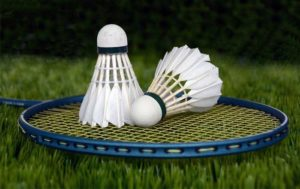 How to String a Badminton Racket?